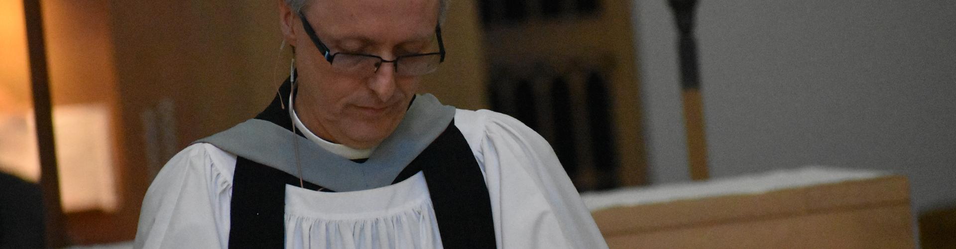 Markham praying